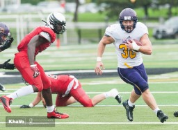 20160917-kha-vo-laurier-mfoot-vs-carleton_-185