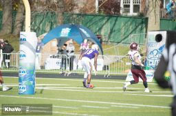 20161105-laurier-mfoot-vs-mcmaster_-320