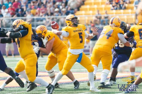 20170916 - Kha Vo - Laurier Football vs QU-273
