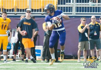 20170916 - Kha Vo - Laurier Football vs QU-279