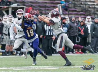 20171104 - Kha Vo - Laurier Football vs MAC-216