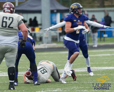 20171104 - Kha Vo - Laurier Football vs MAC-225