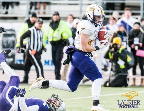 20171111 - Kha Vo - Laurier Football vs WES_-400